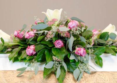 Ruusu, lilja, eukalyptus